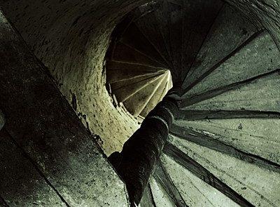 schody do kostolnej veže