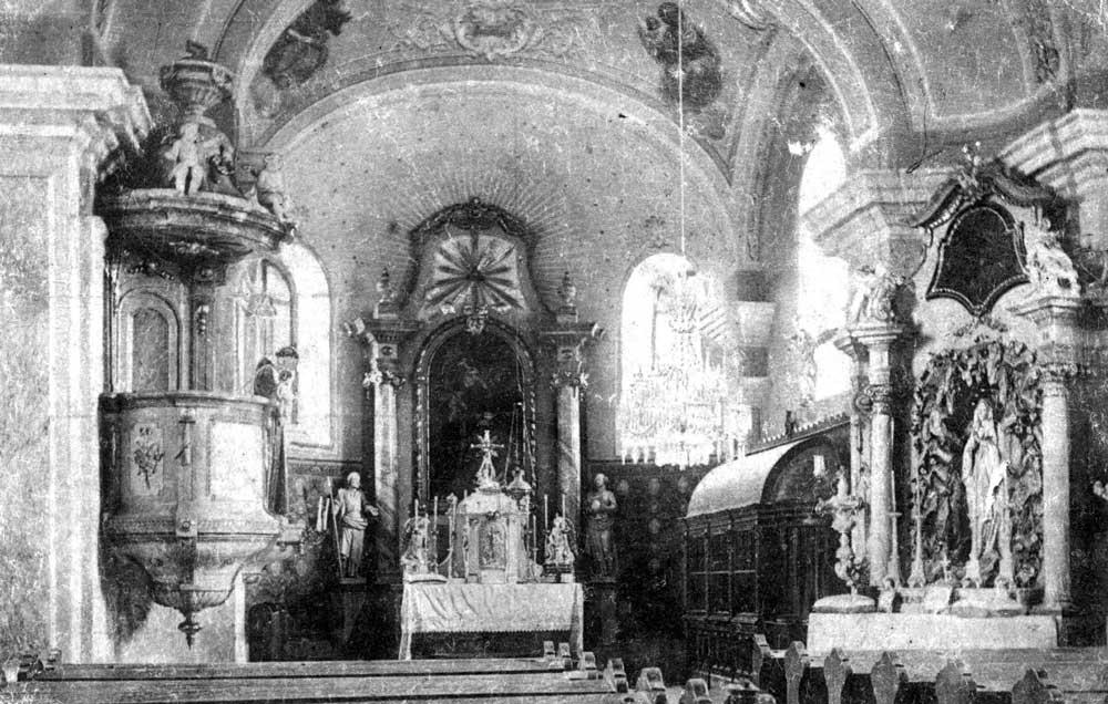 Interiér kostola okolo roku 1910