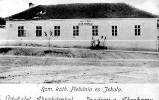 Škola postavená v roku 1918