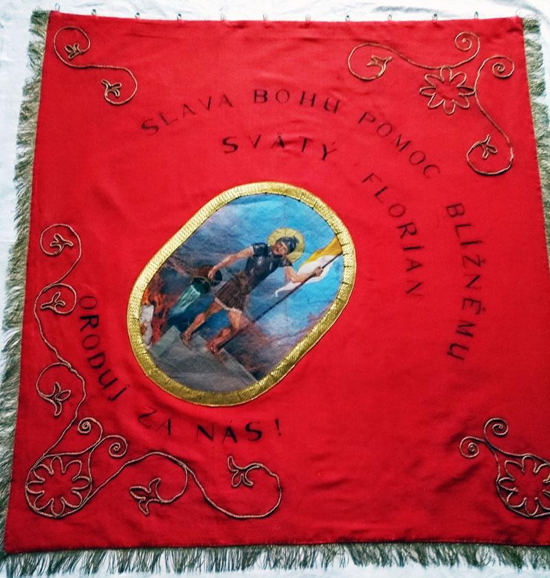 DHZ Abrahám zástava červená strana