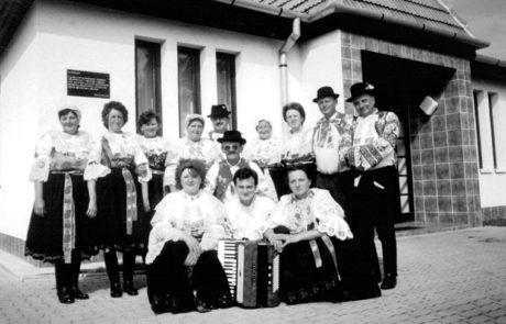 Folklórny súbor Jatelinka z roku 1998