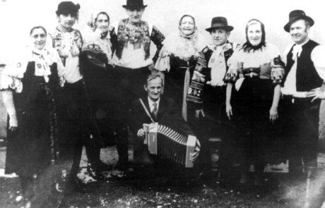 Zakladajúci členovia súboru Jatelinka z roku 1964